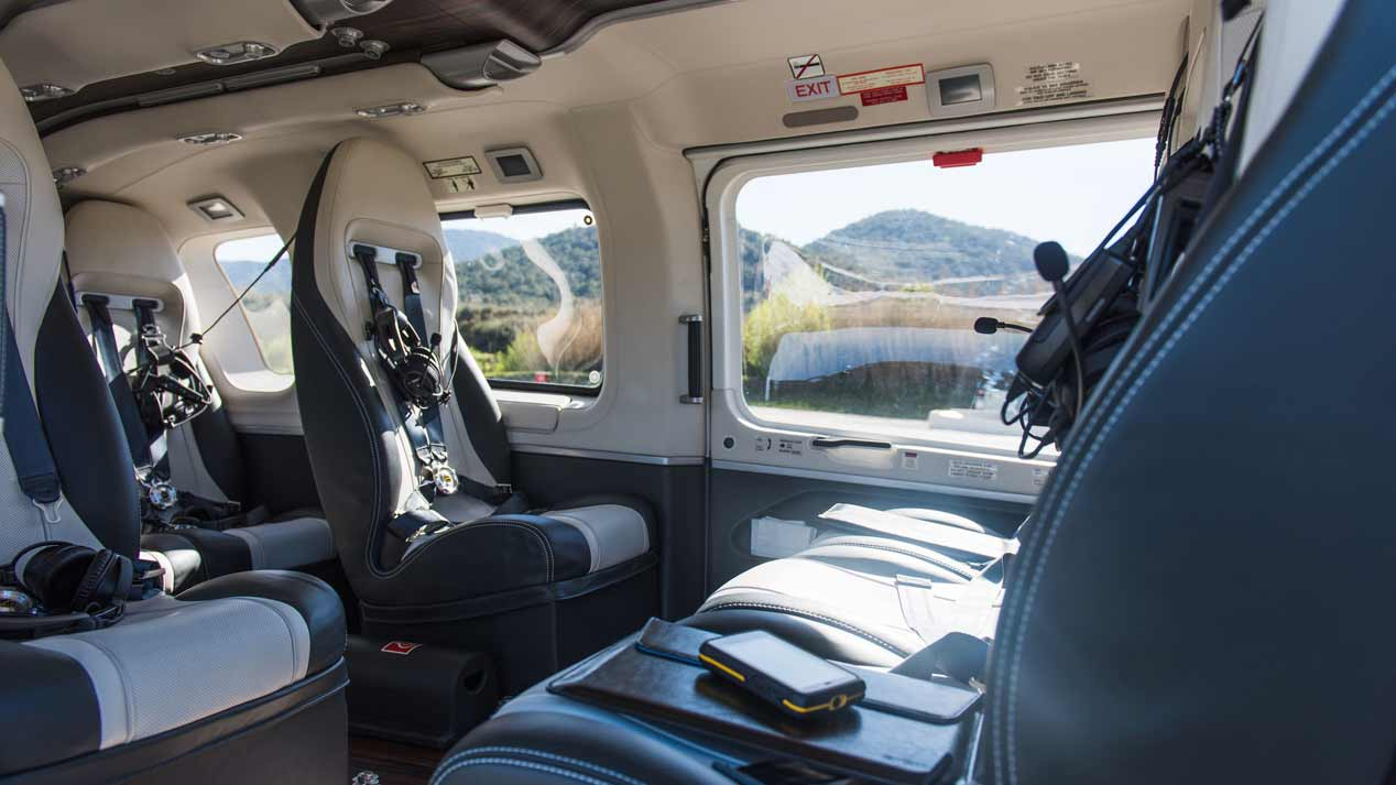 Los transporte de lujo de Mercedes por tierra, mar y aire