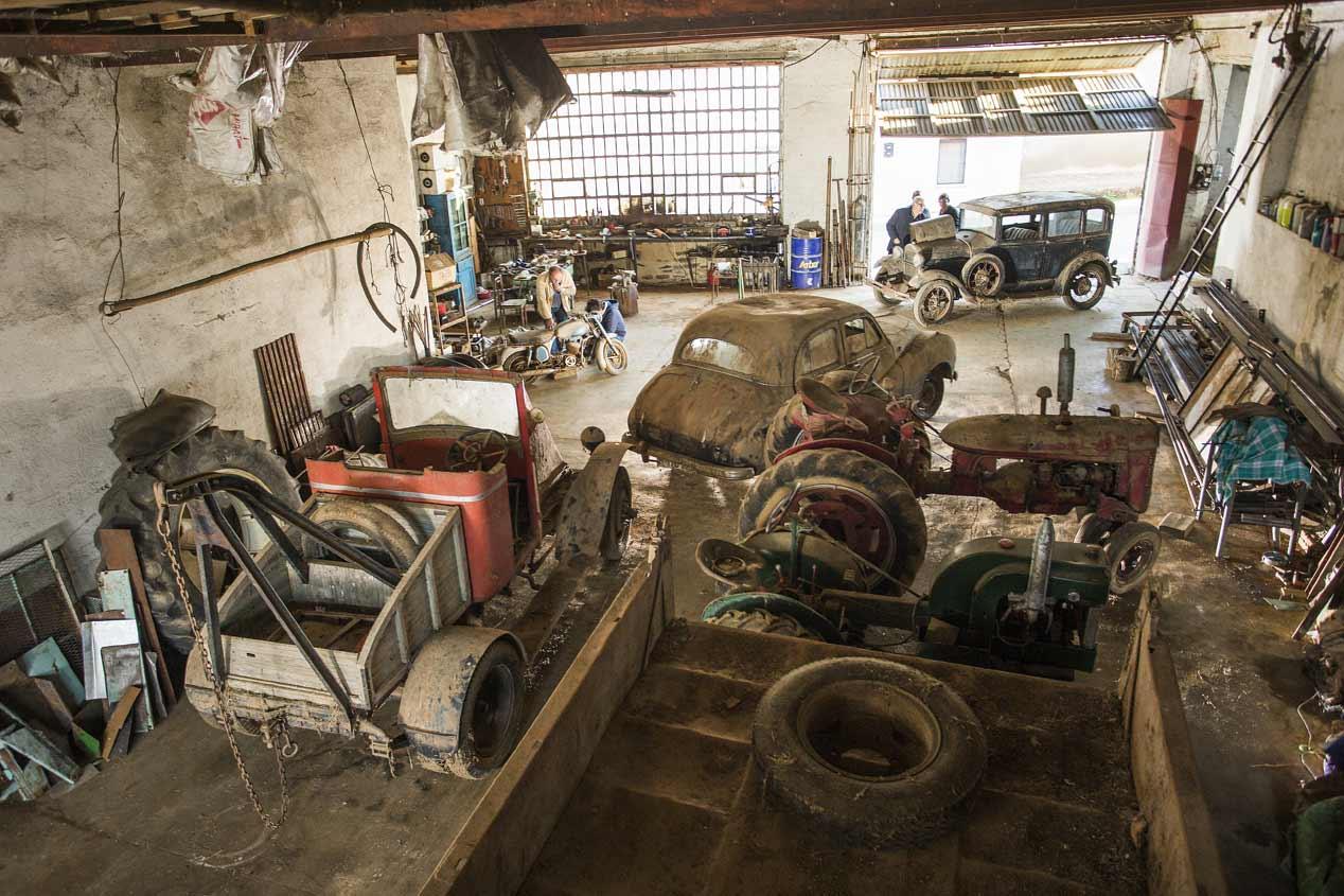 El garaje de los veh culos cl sicos olvidados - Garaje de coches ...