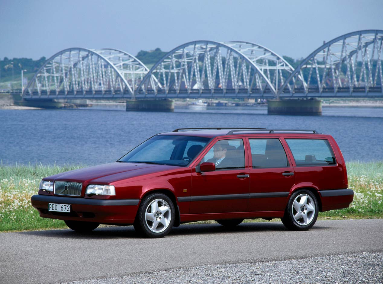 Volvo 850 station wagon