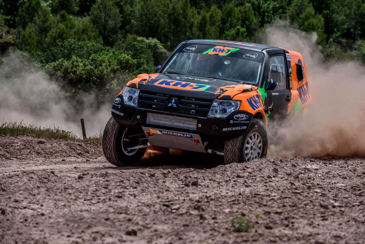 Isidre Esteve vuelve al Dakar 2017 con un Mitsubishi Montero
