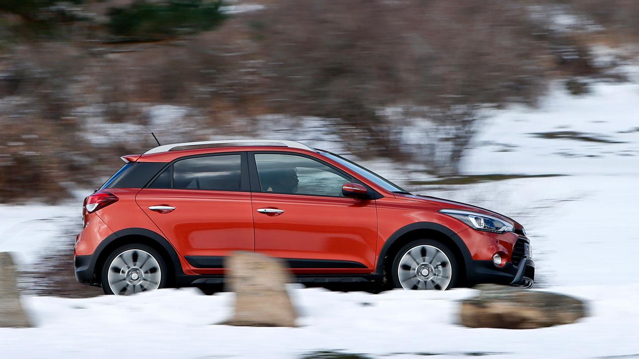 Comparativa: Hyundai i20 Active 1.6 CRDi vs Renault Captur 1.5 dCi