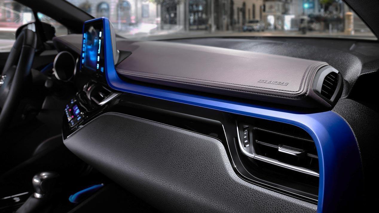 Toyota C-HR, así es por dentro