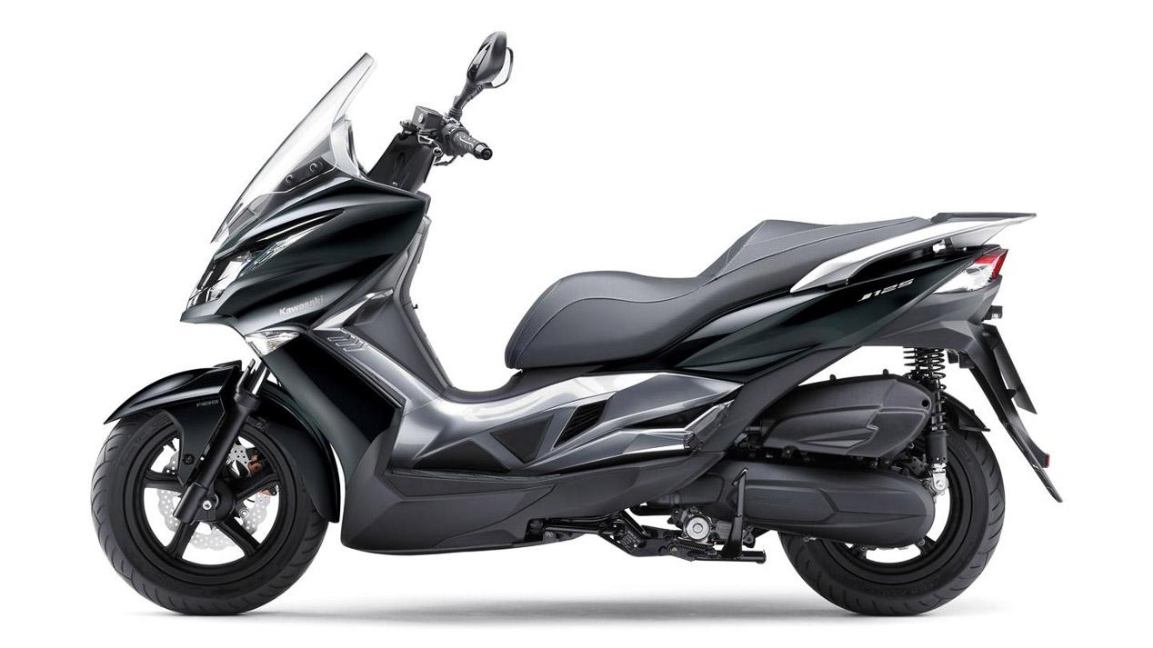 Nueva Kawasaki J125: sortea el atasco