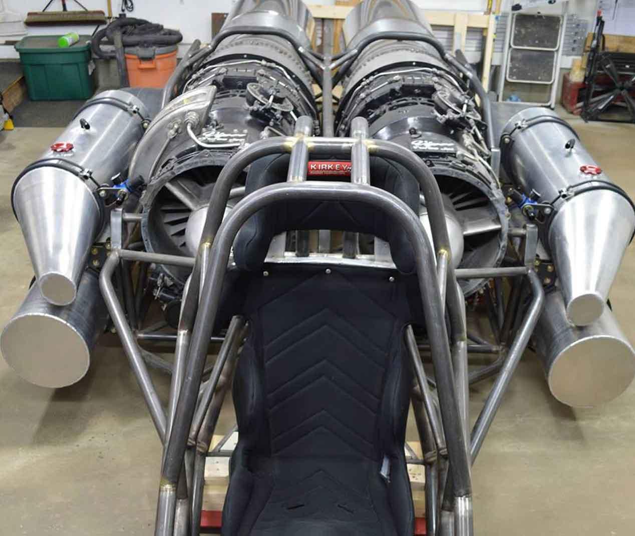 Un Ferrari Enzo con motores a reacción completamente casero