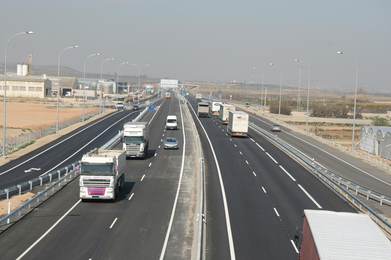 Multa de 2.930 millones a fabricantes de camiones