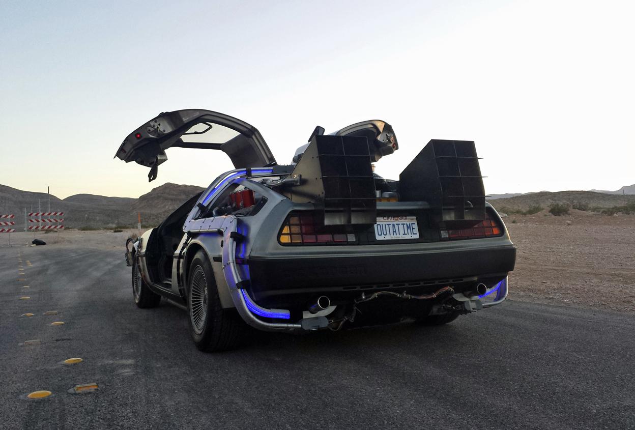 Ya a la venta en Ebay la réplica exacta del DeLorean de Regreso al Futuro