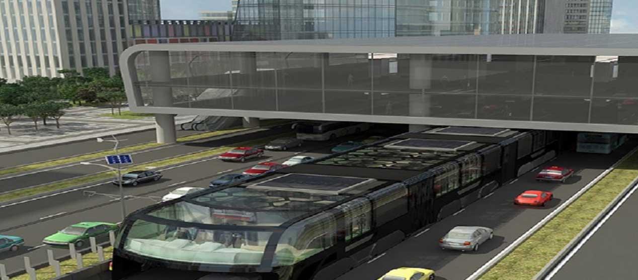 El autobús que pasa por encima de los coches, en imágenes