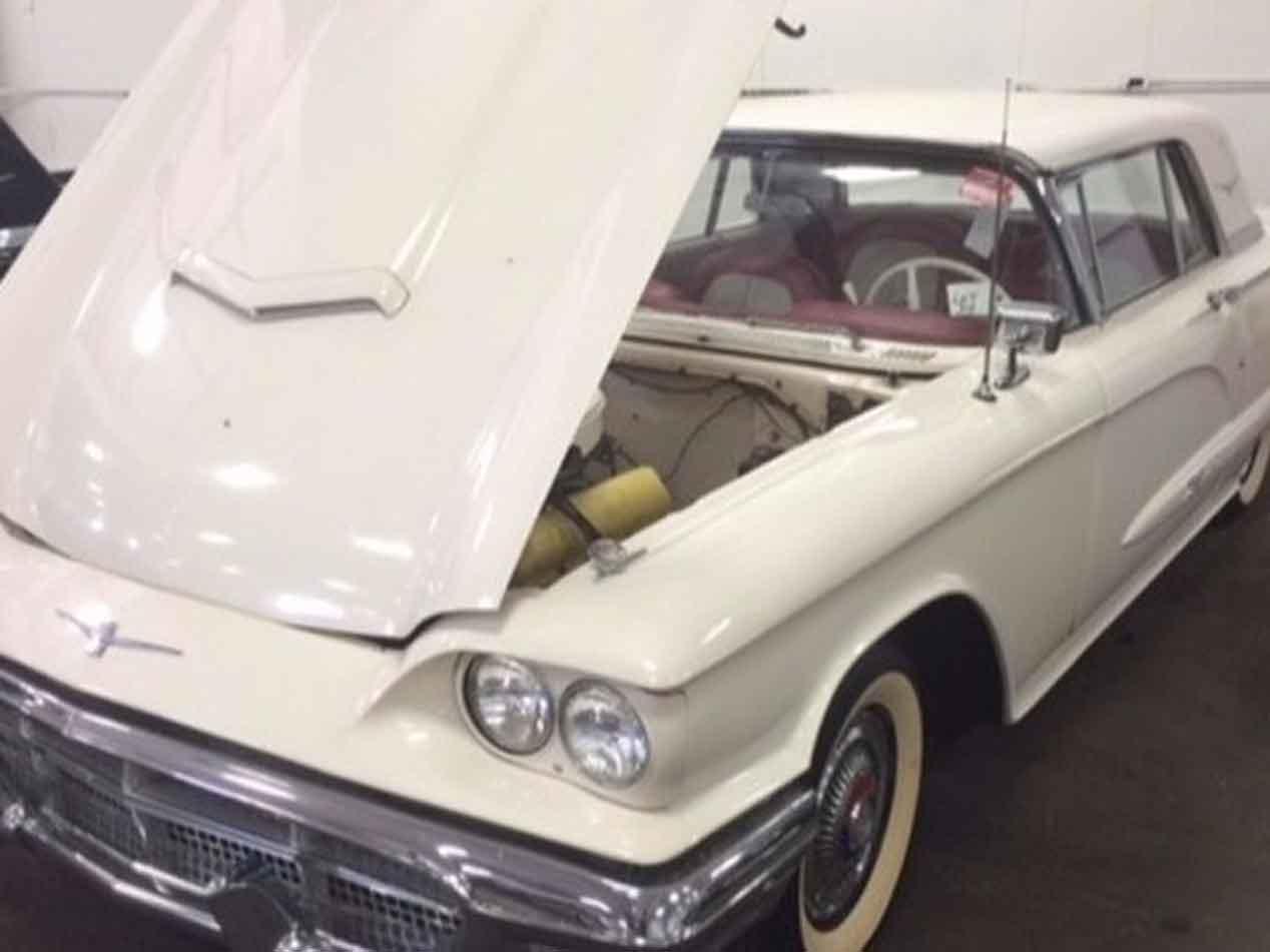 Un tesoro en un granero: más de 50 coches de entre los años 30 y los 70
