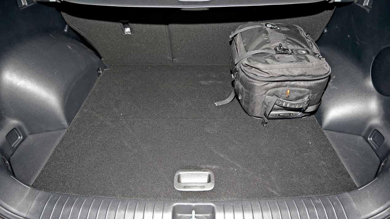 Comparativa: Hyundai Tucson 1.7 CRDi, Kia Sportage 1.7 CRDi y Nissan Qashqai 1.5 dCi