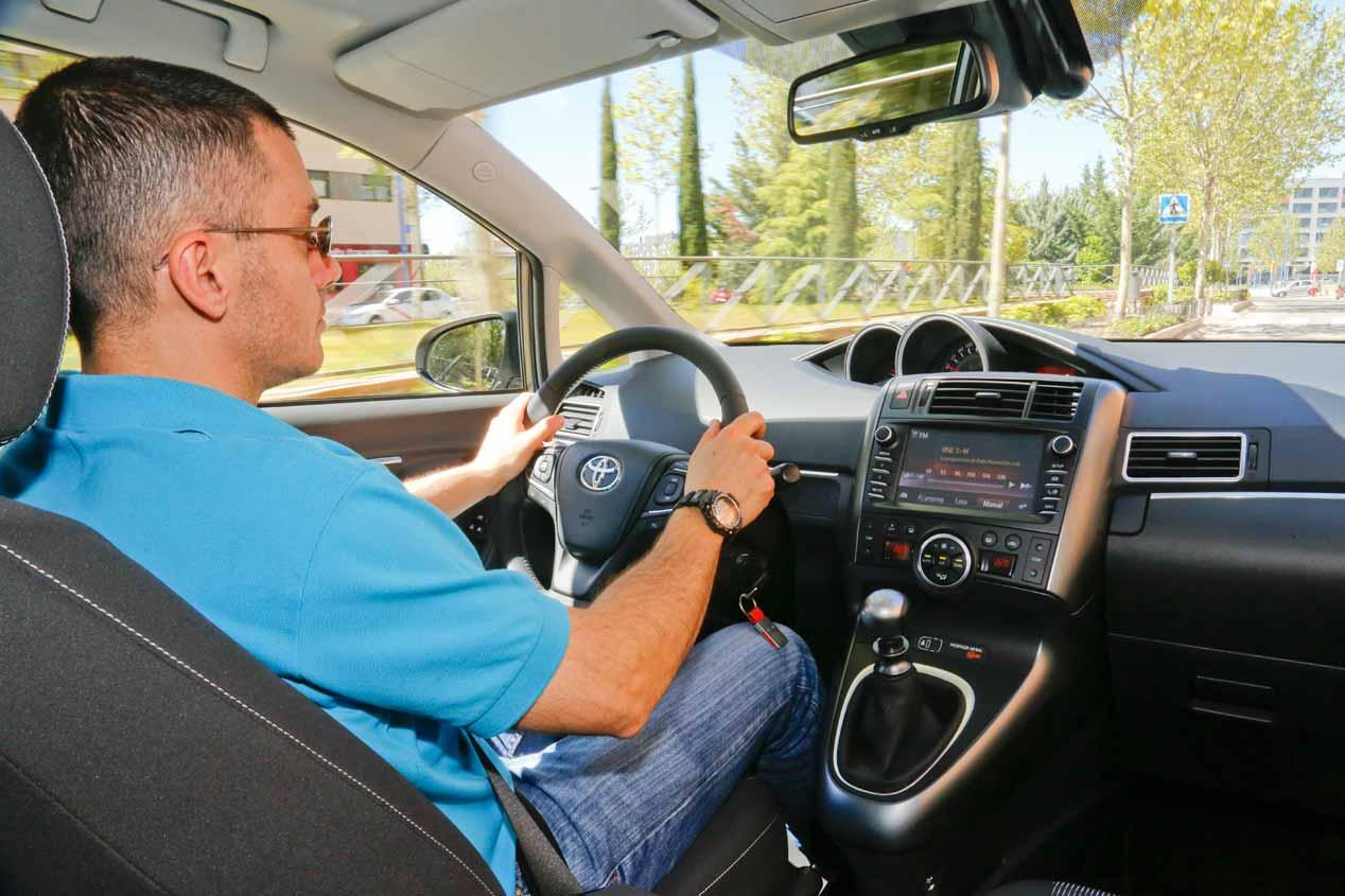 BMW 216d Gran Tourer y Toyota Verso 115D, en busca del mejor familiar