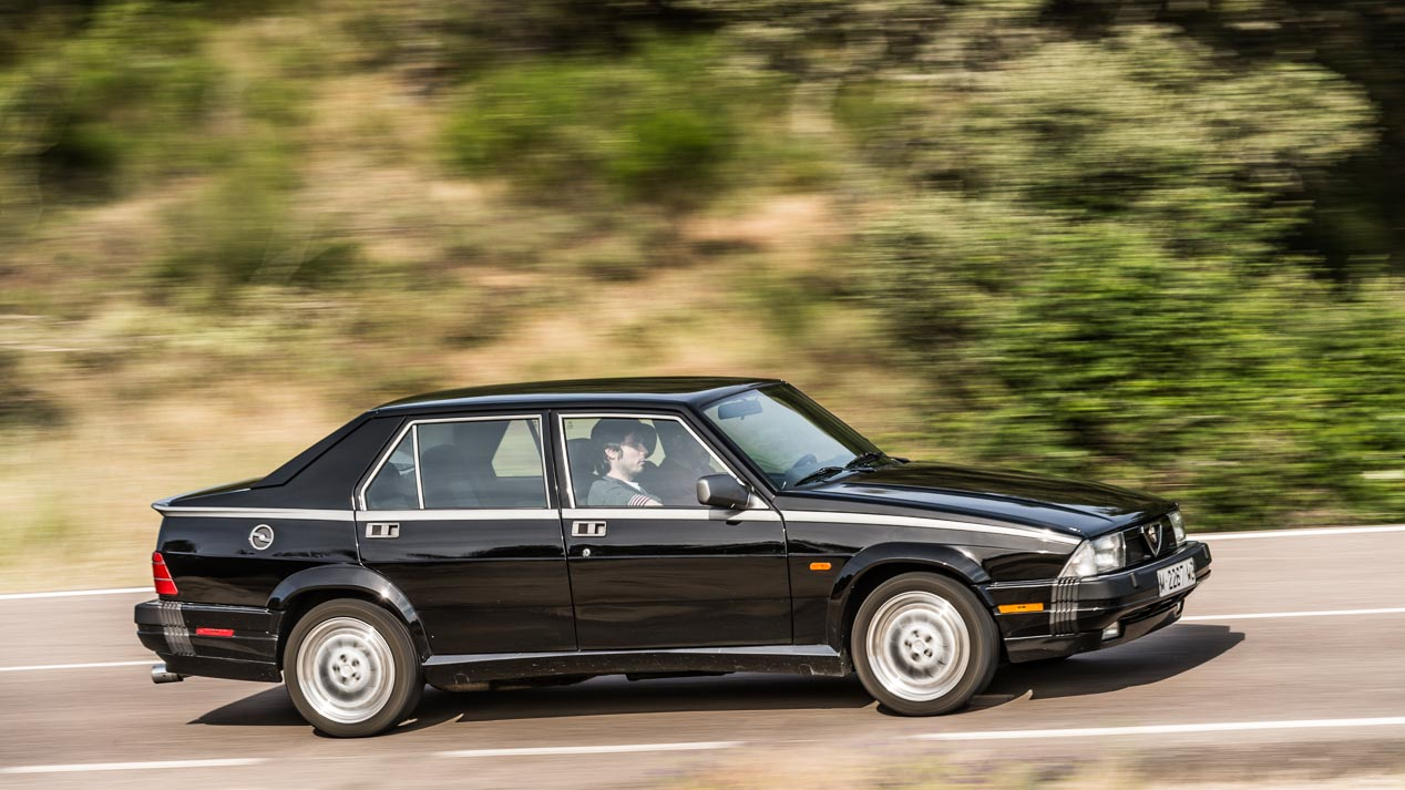 Alfa Romeo 75 V6 QV, un clásico inolvidable
