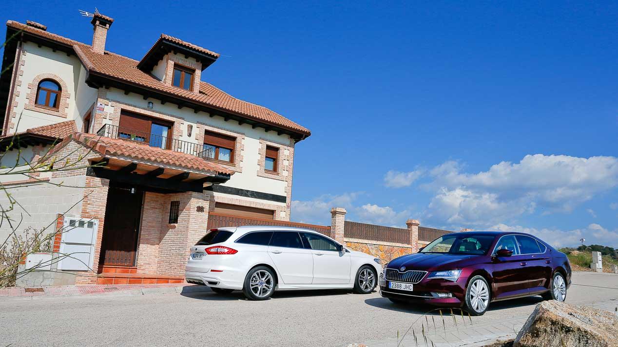 Ford Mondeo Powerhift AWD y Skoda Superb 2.0 TDI-190 DSG 4x4