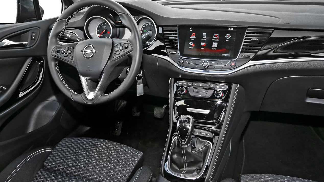 Opel Astra 1.4 Turbo vs Seat León 1.4