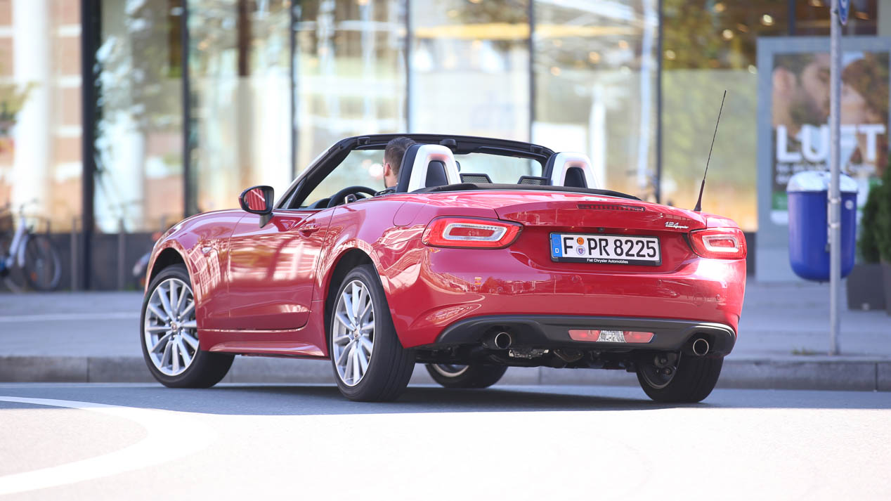 Fiat 124 Spider, conducimos el roadster italiano