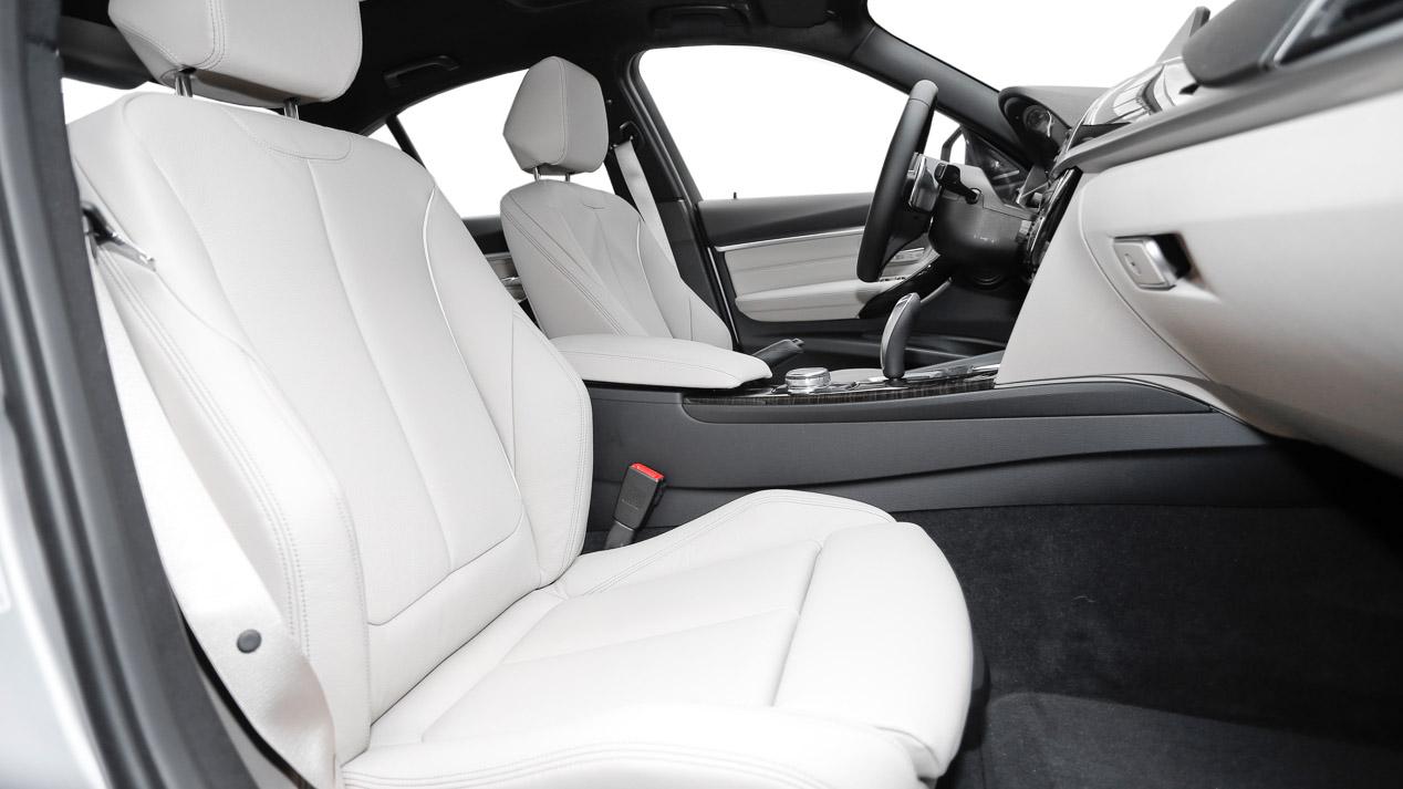 Probamos el nuevo BMW 330e, un Serie 3 muy especial