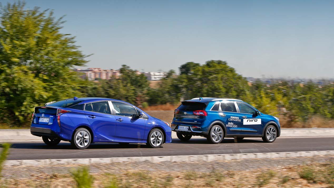 Kia Niro Vs Toyota Prius Buscamos El Mejor Híbrido