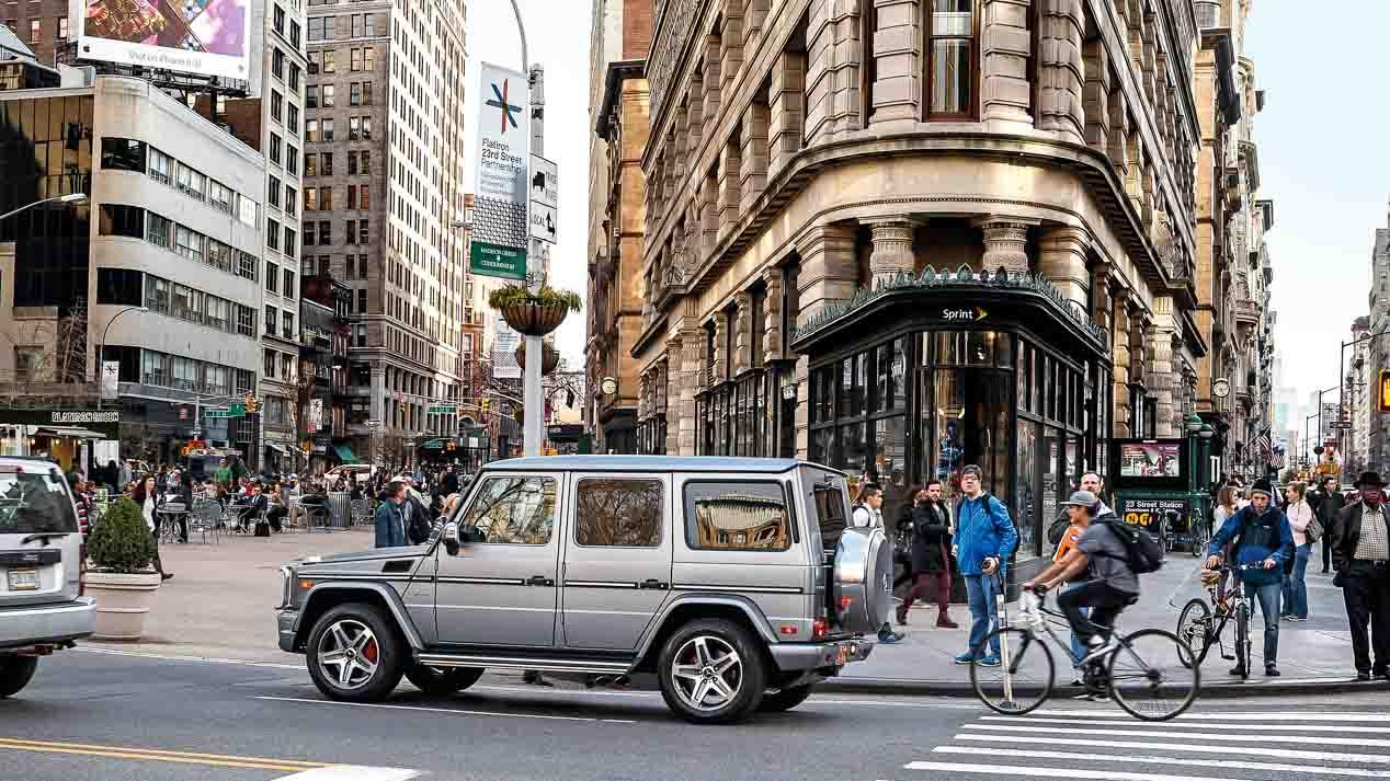 Un Mercedes AMG G65 cruza las calles de Nueva York