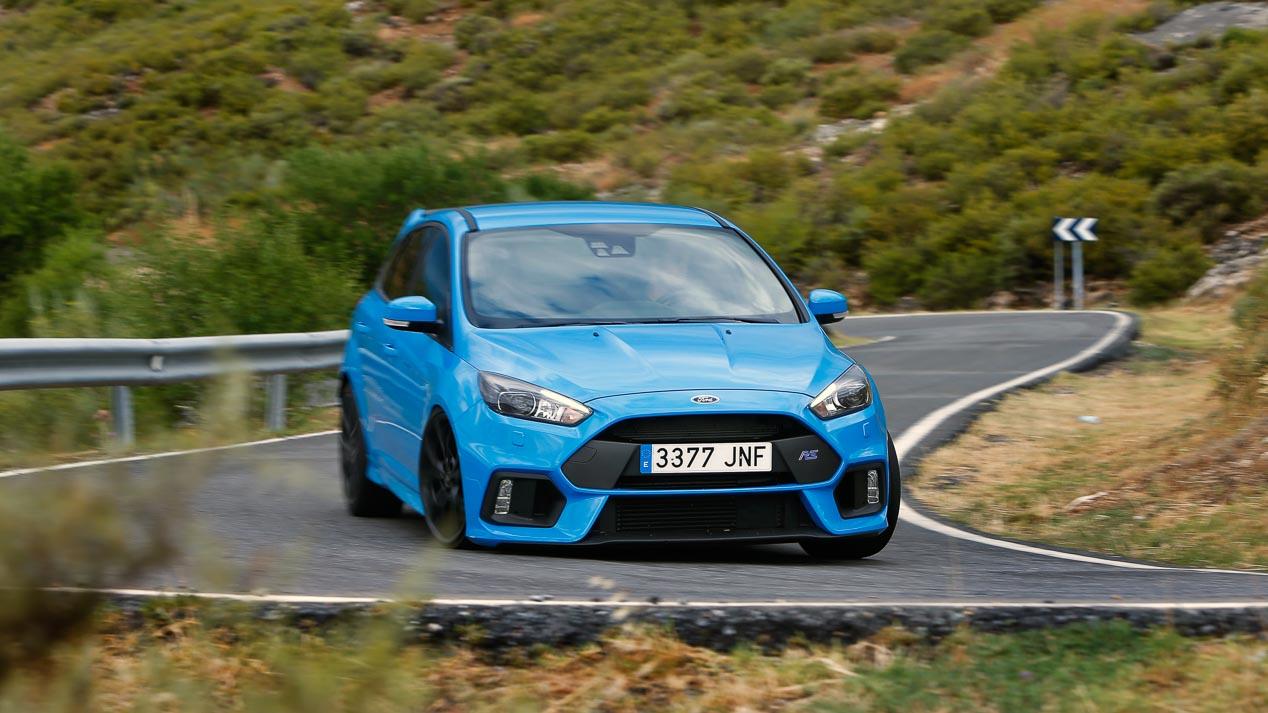 Ford focus rs el civic tambi n se encuentra muy c modo a este trazado resultando incluso m s gil y divertido de pilotar que el le n