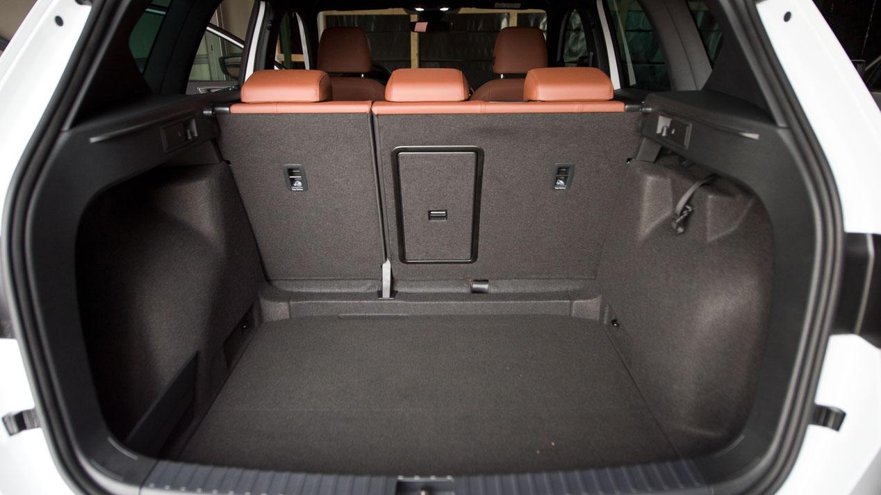Seat Ateca Smart City Car: encuentra aparcamiento fácilmente en Barcelona con el SUV de moda