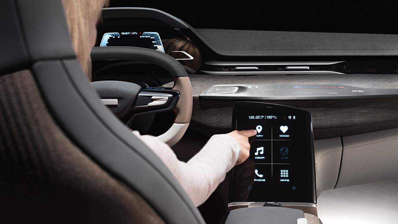 El interior del coche en el futuro: conectado e inteligente