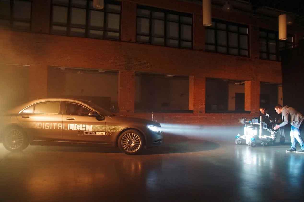 La tecnología de Luz digital de Mercedes