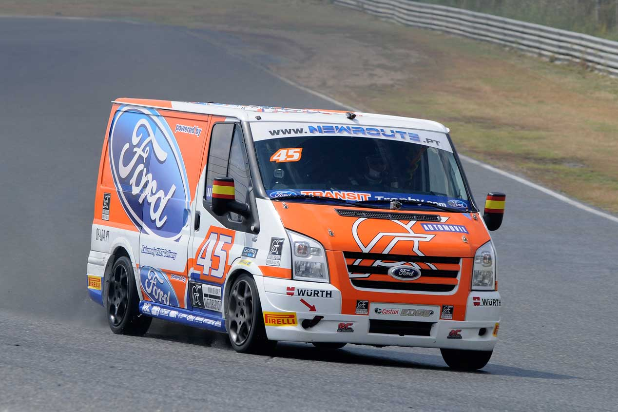 La carrera Ford Transit Trophy, en fotos