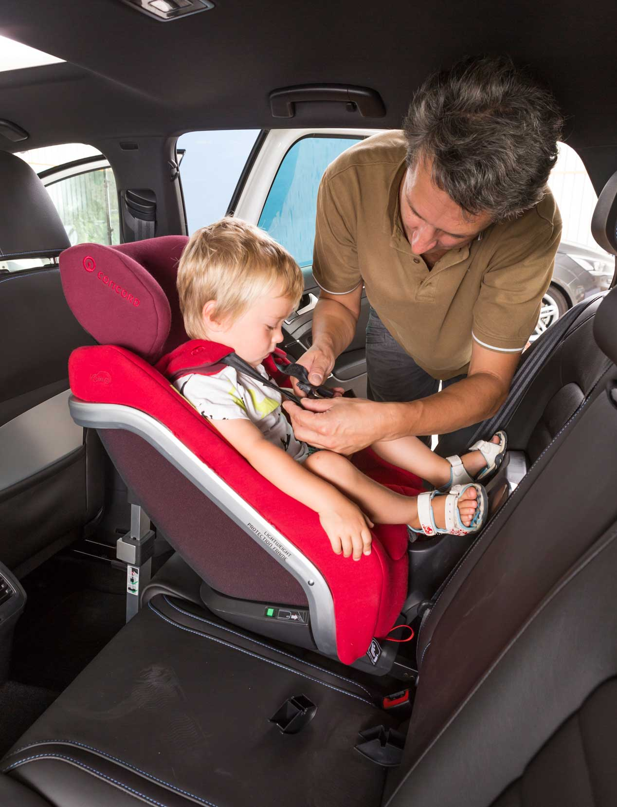 Sillas infantiles para el coche, algunos modelos en fotos