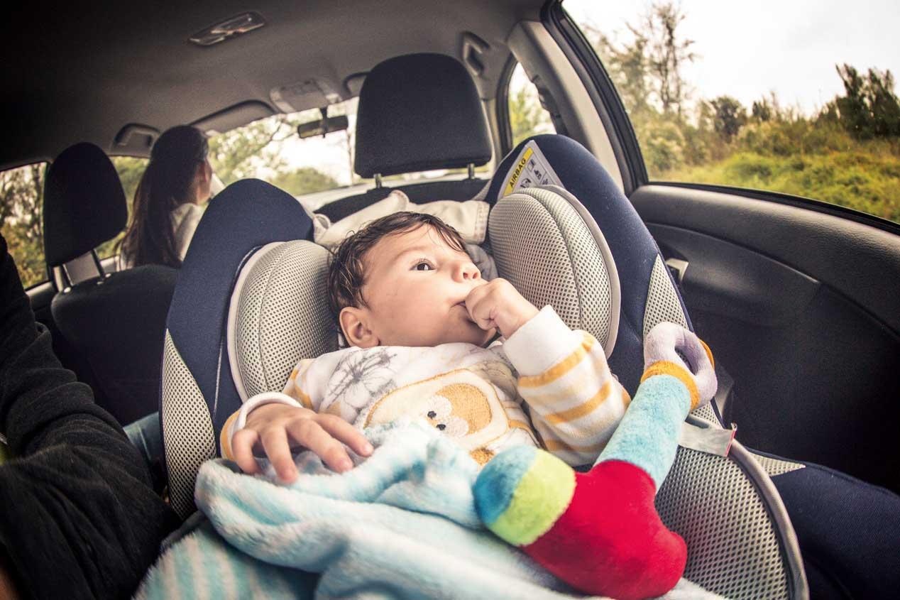 Galer a sillas infantiles ninos coches fotos autopista for Sillas infantiles coche