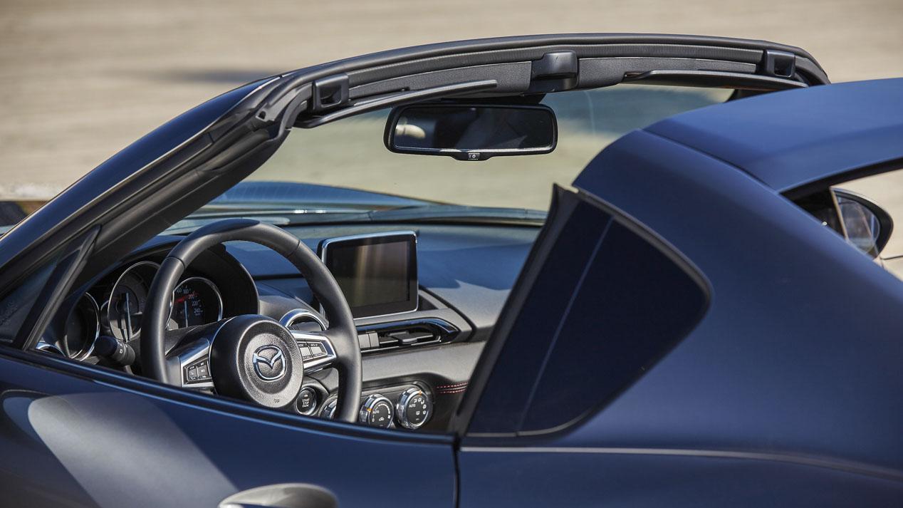 Mazda MX-5 RF: roadster con techo duro retráctil