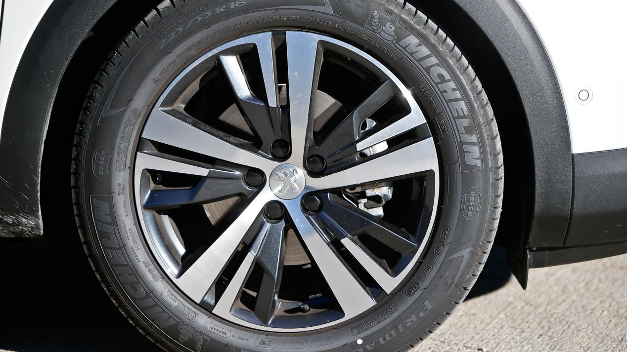 Peugeot 3008 vs Volkswagen Tiguan, ¿cuál es mejor SUV?