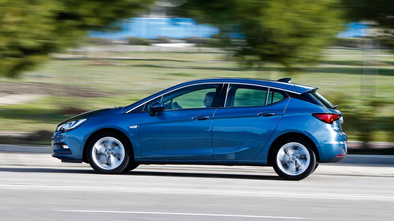 Opel Astra 1.6 CDTi vs Seat León 1.6 TDi: ¿qué compacto es mejor?