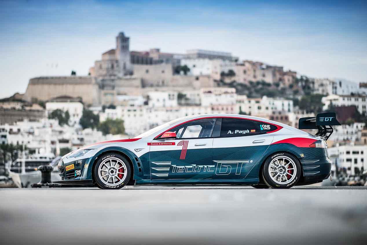 El súper coche de carreras de Tesla: EGT Tesla V2.0