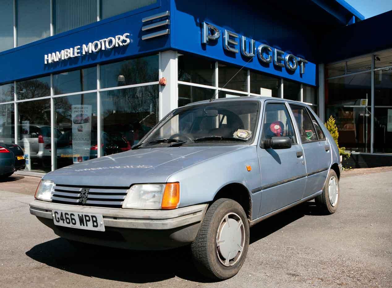 El Peugeot 205, galardonado como el Golden Car of the Year