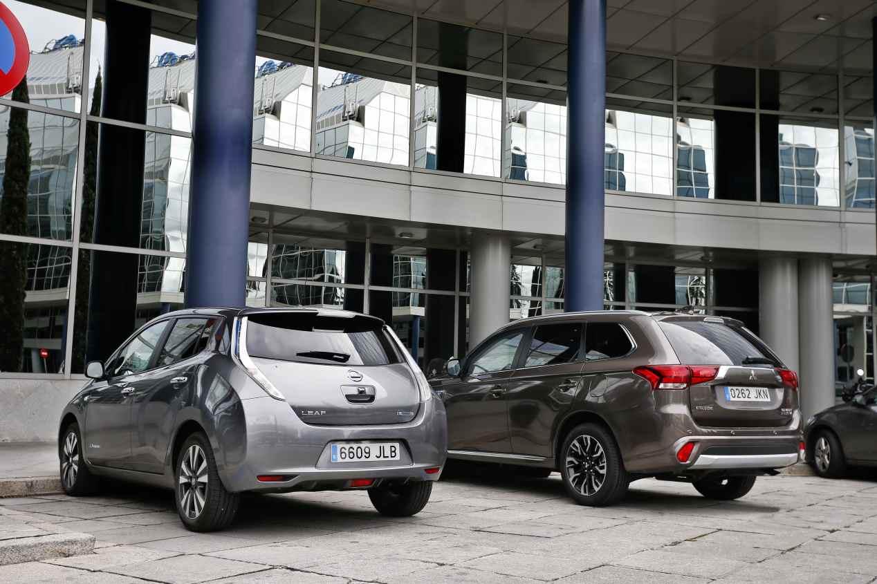 Comparativa: Mitsubishi Outlander PHEV vs Nissan Leaf, ¿cuál es mejor?