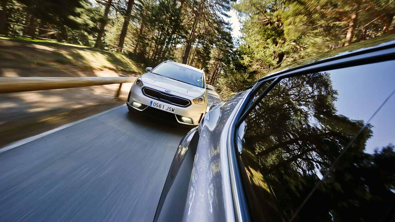 Kia Niro vs Toyota C-HR: SUV, híbridos y muy originales