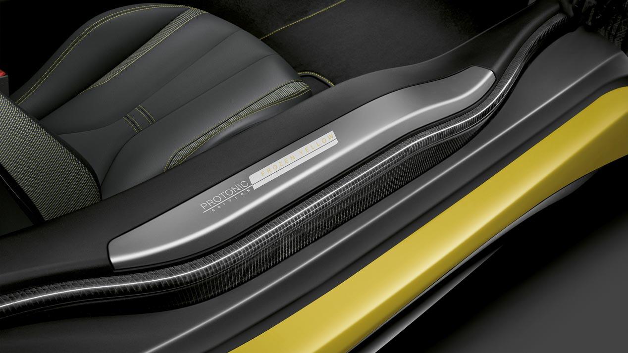 BMW desvela el i8 Protonic Frozen Yellow y el Serie 5 de batalla larga