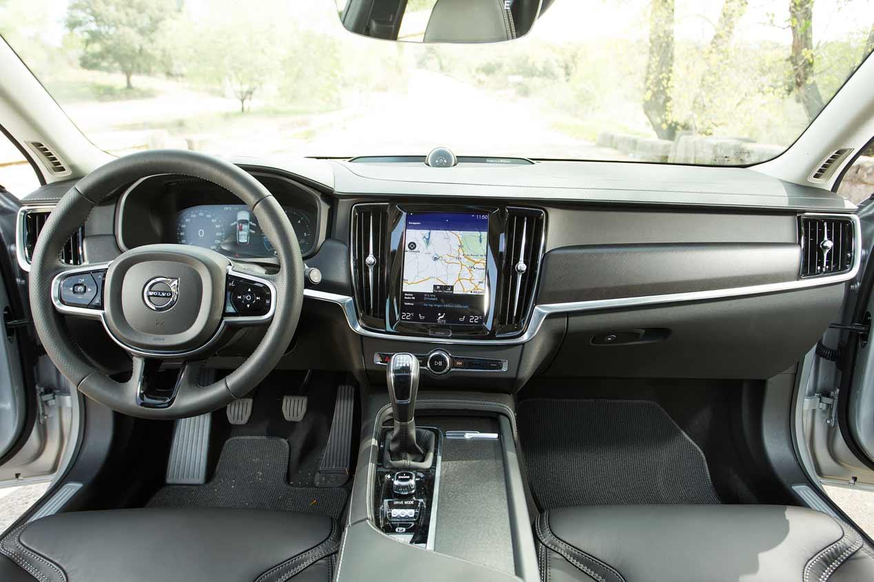 Volvo V90 Cross Country D4 AWD, a prueba