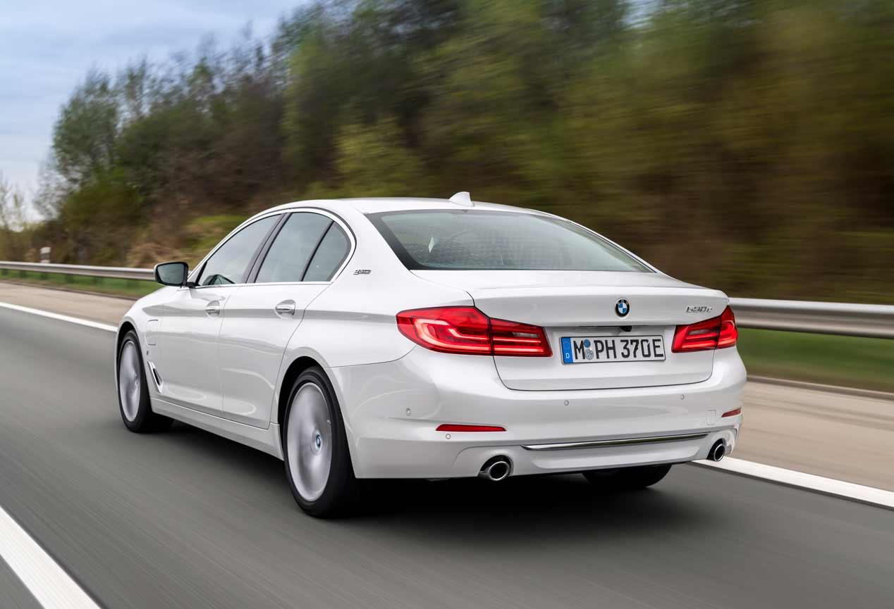 A prueba los BMW M550i xDrive y 530e iPerformance