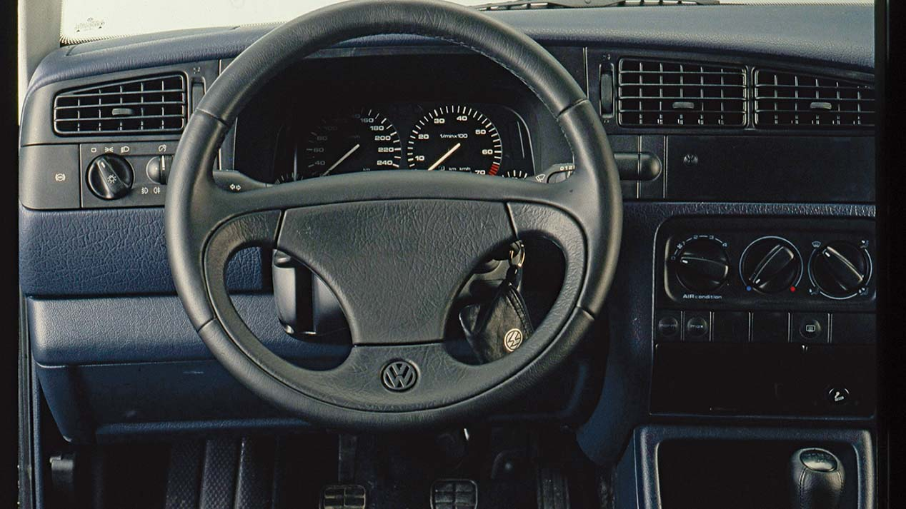 VW Golf VR6: interior