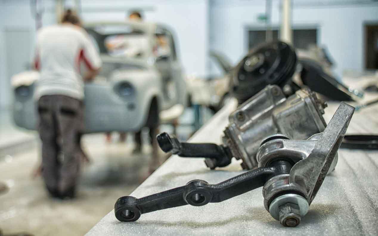 El proceso de restauración de un Seat 600 D descapotable