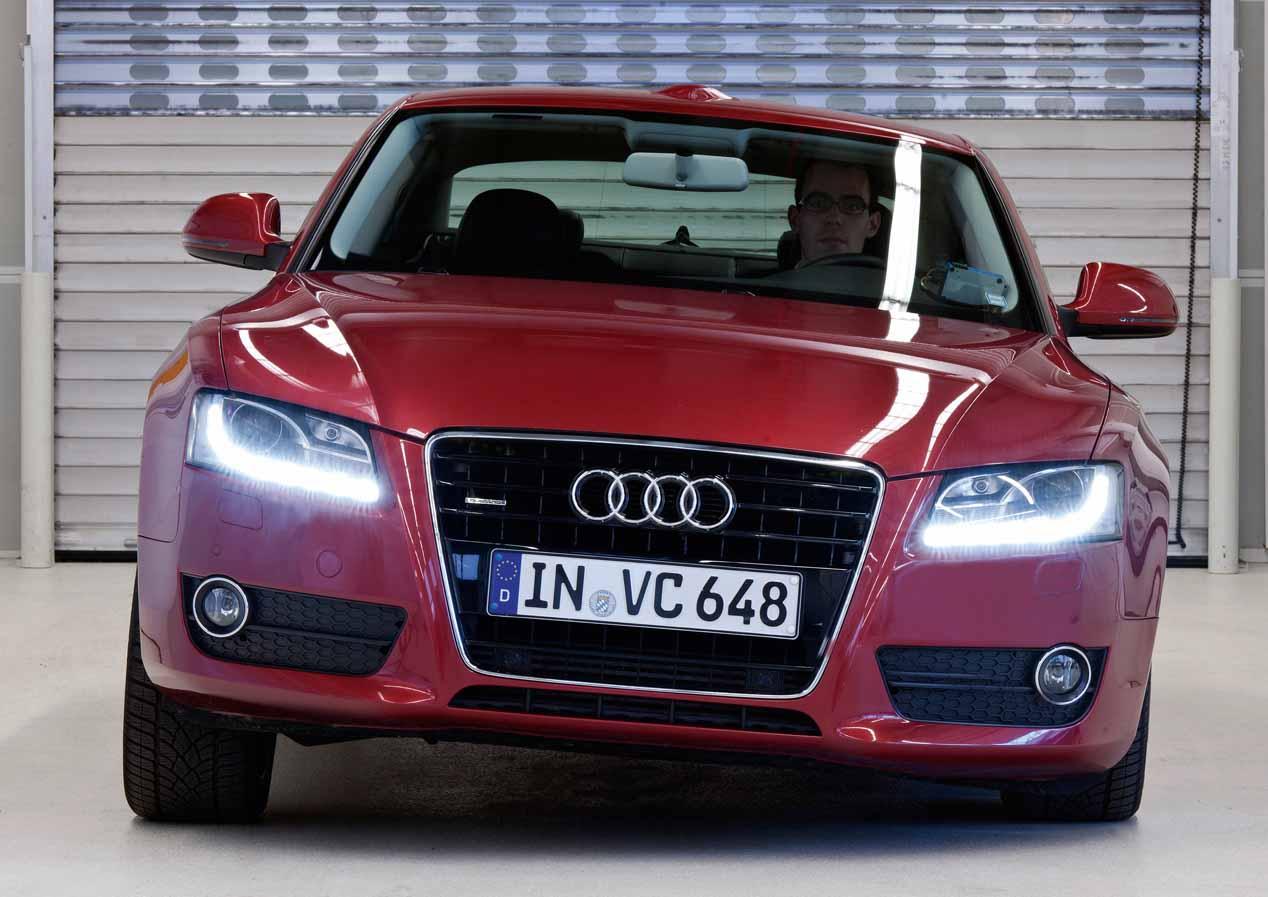 Amortiguación eléctrica en el Audi A8 y ¿suspensión pendular para aumentar el confort y evitar el mareo?