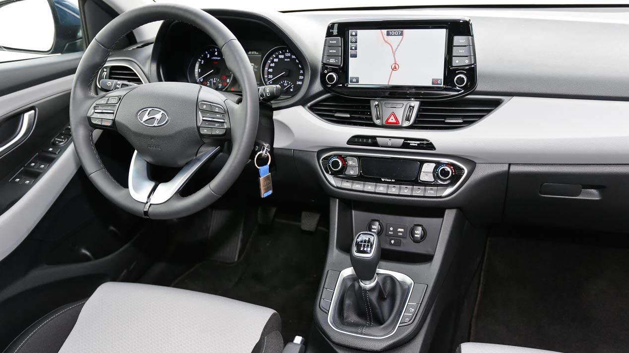 Hyundai i30 1.0 TGDI vs Volkswagen Golf 1.0 TSI, asalto al líder