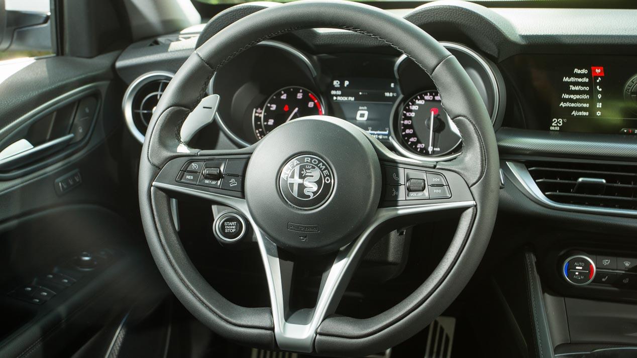 Superprueba: Alfa Romeo Stelvio 2.0 Q4, un gran SUV