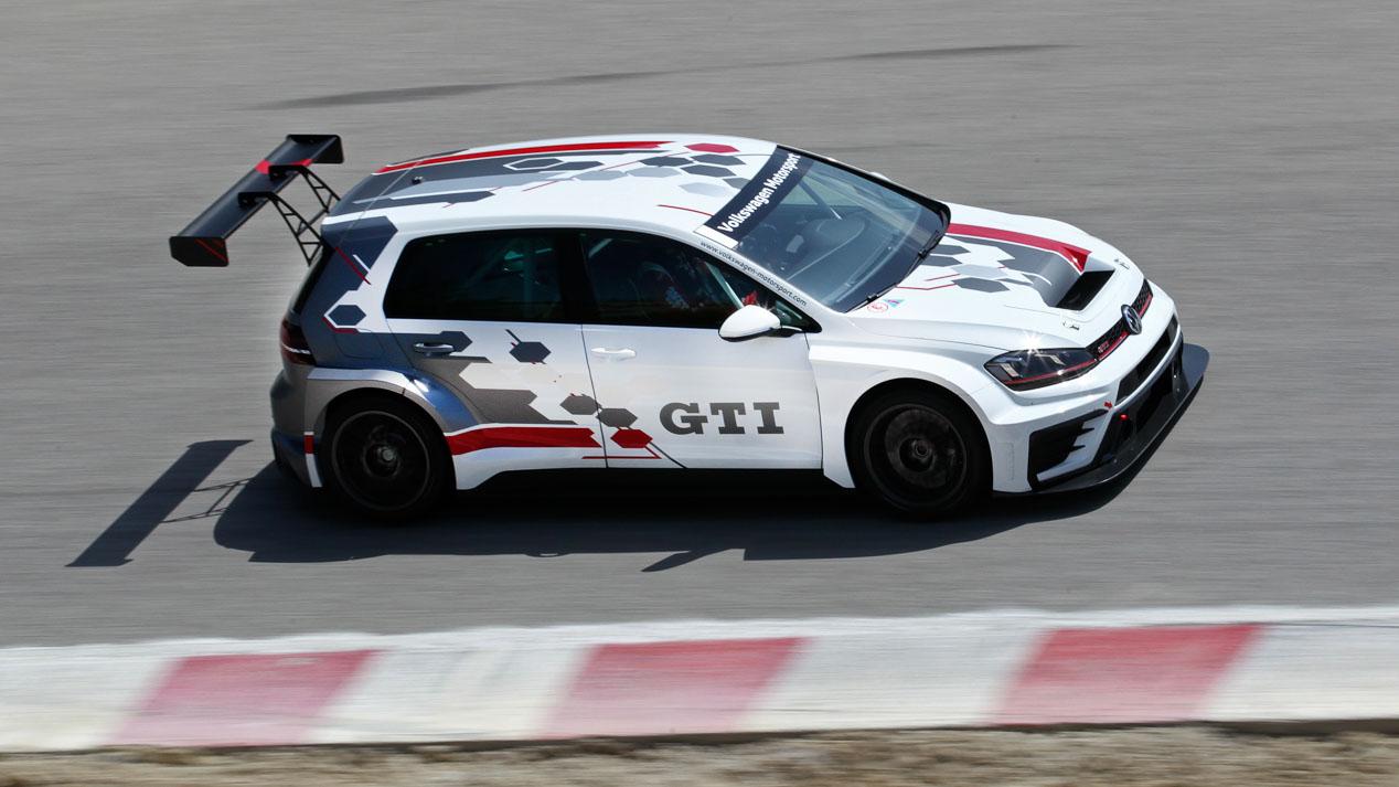 Volkswagen Golf GTI TCR, la estrella del GTI Day en el Jarama