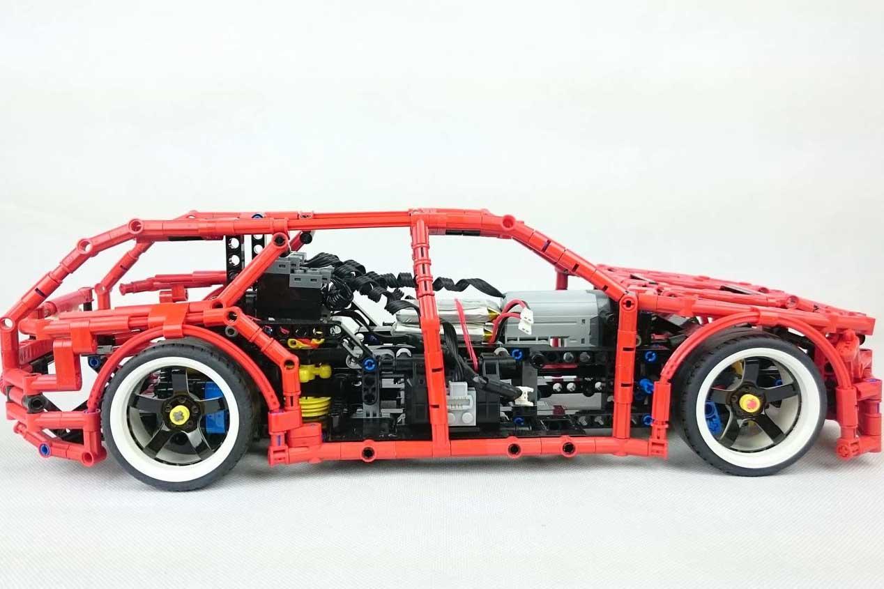 El coche de Lego que hace drifting