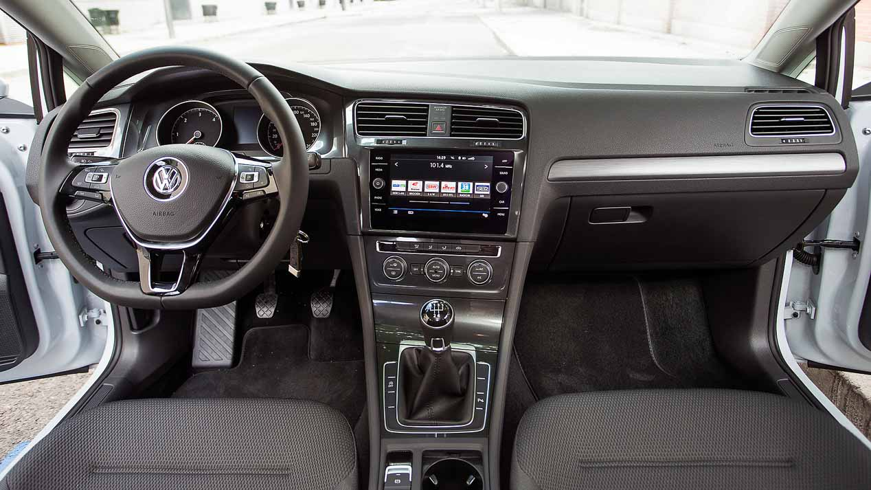 VW Golf 1.6 TDI 115 CV interior