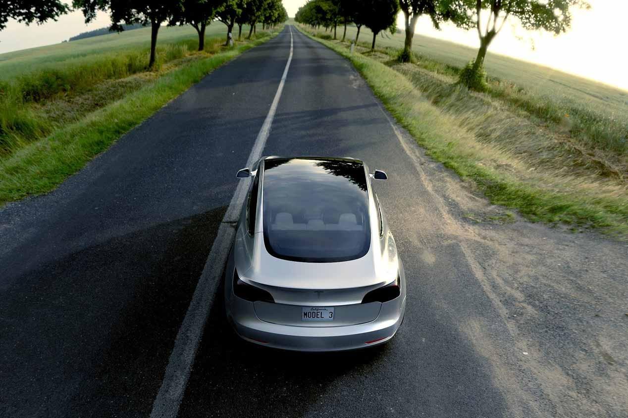 Tesla Model 3, llega su primer vídeo