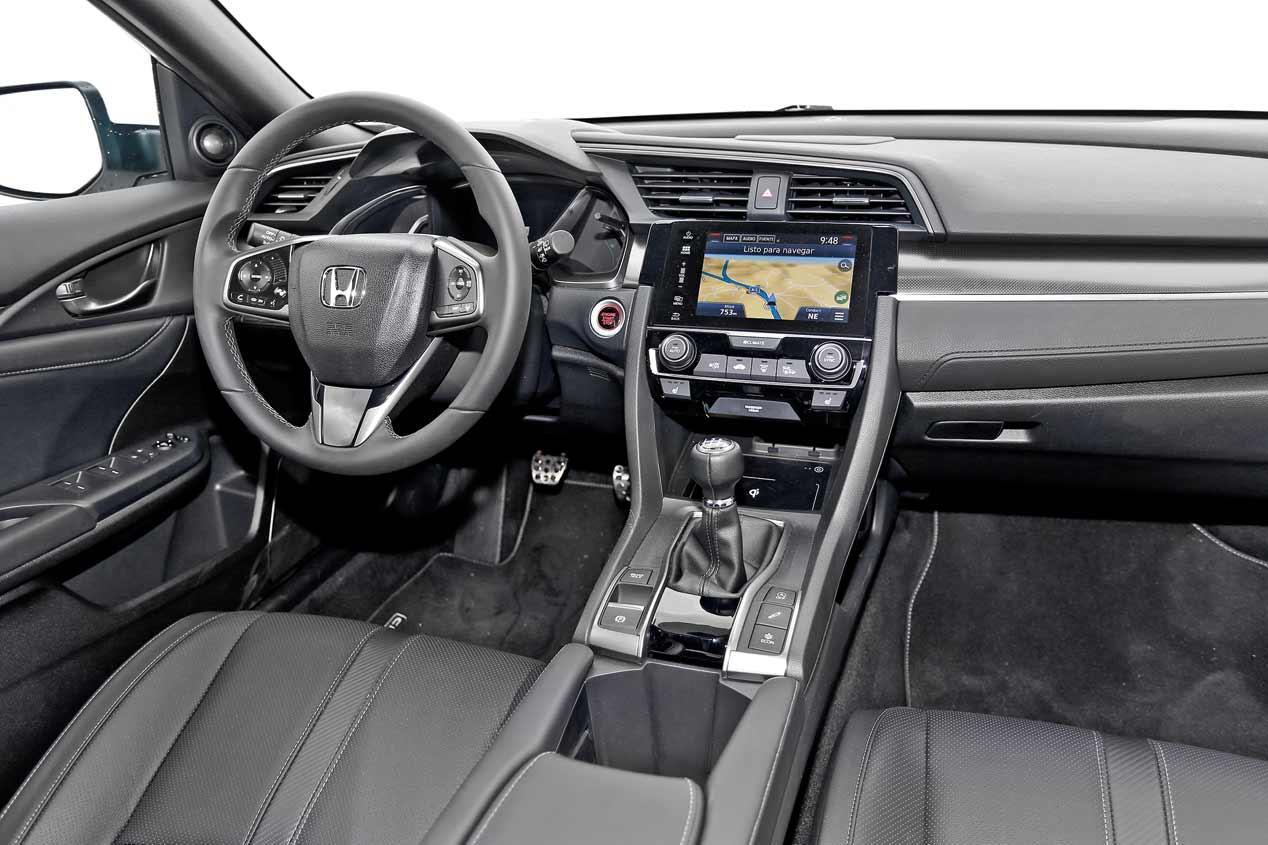 Honda Civic 1.0 I-VTEC Turbo vs VW Golf 1.0 TSI, a prueba