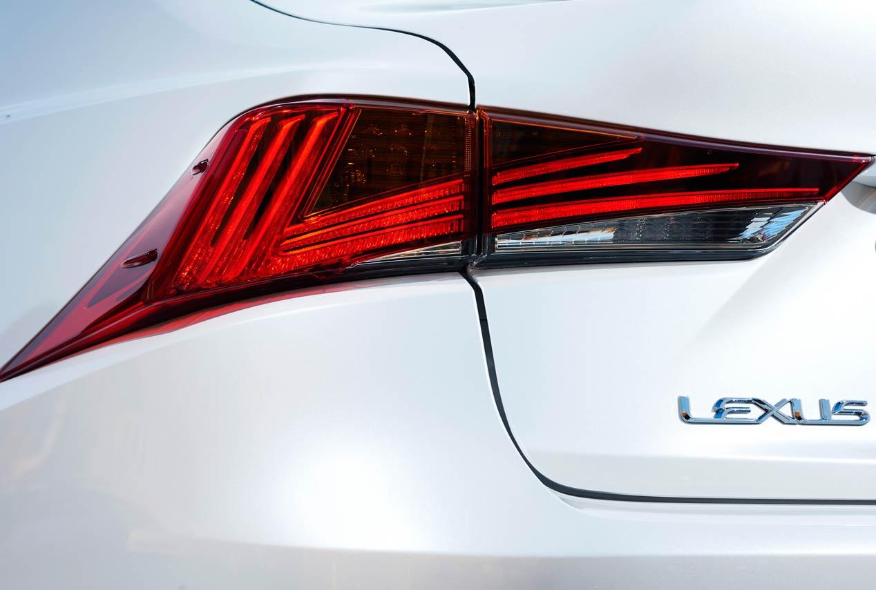 Lexus IS 300h: equilibrio, suavidad, eficiencia...