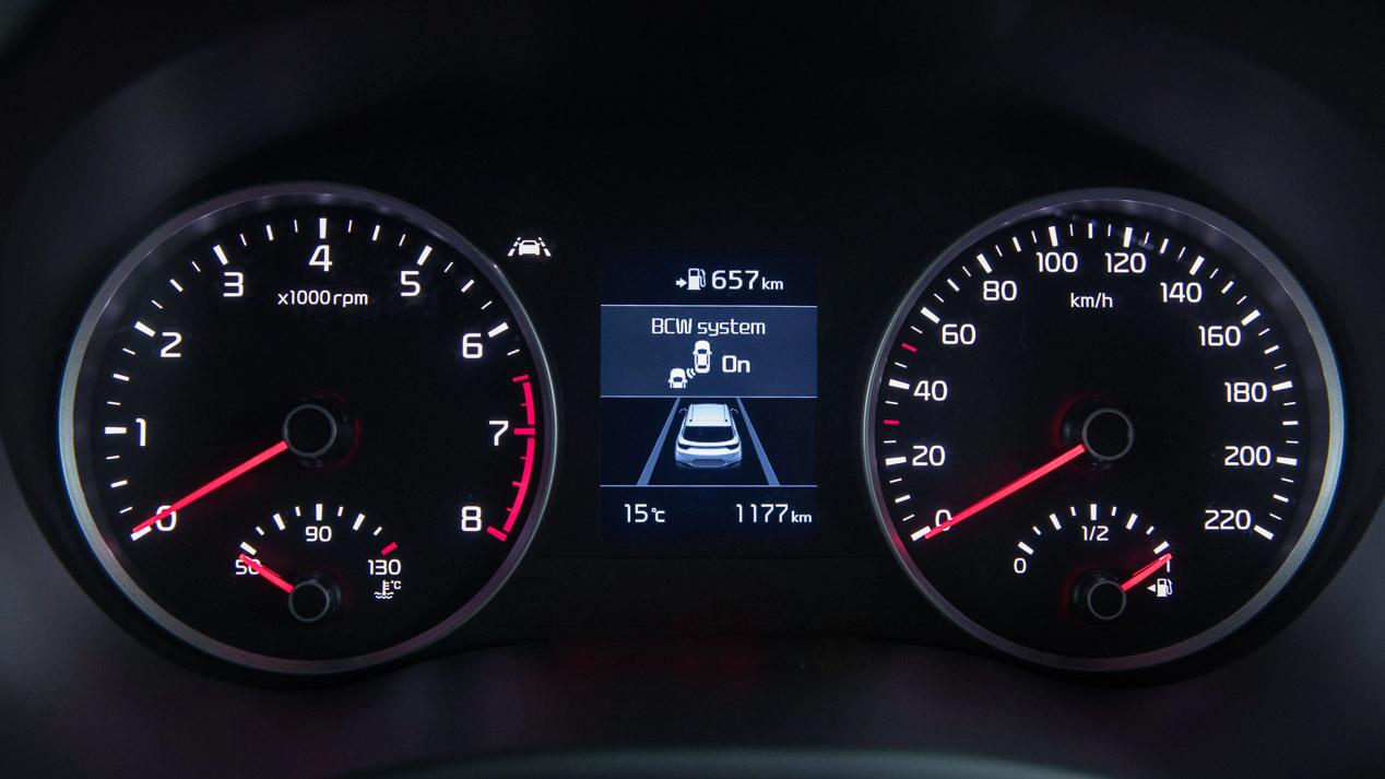 Kia Stonic 2017, nuevo SUV urbano y de atractivo diseño
